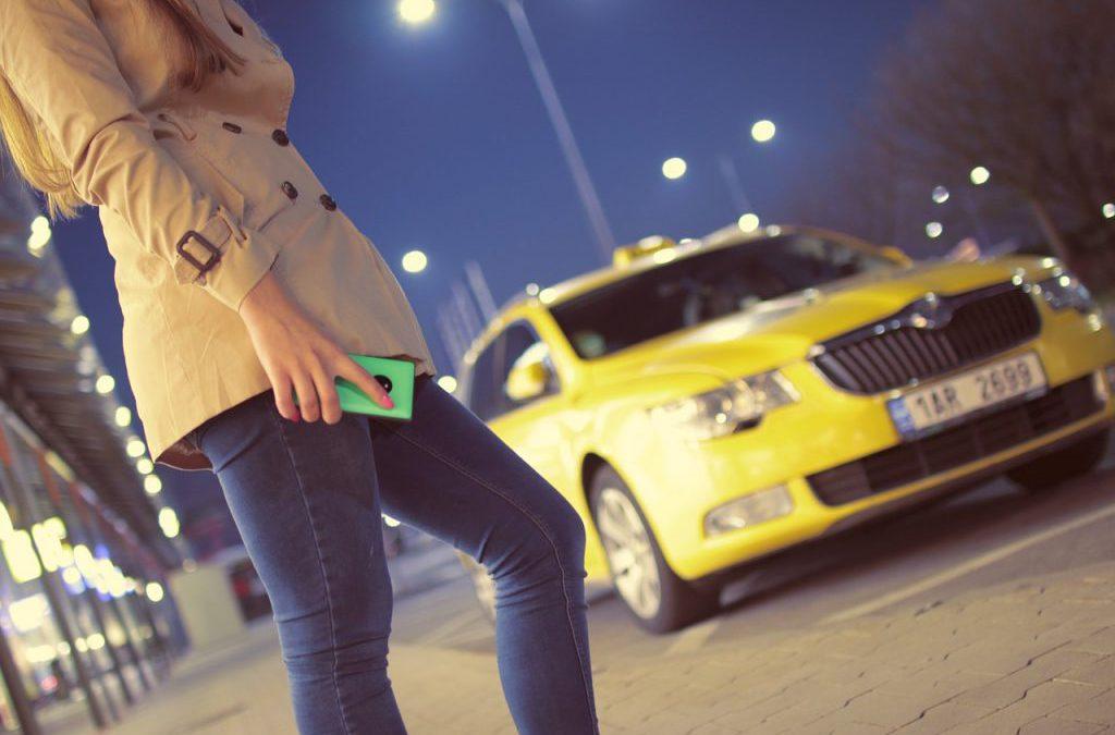מונית גדולה ברעננה – לנסוע ביחד, בנוח ובמחיר משתלם